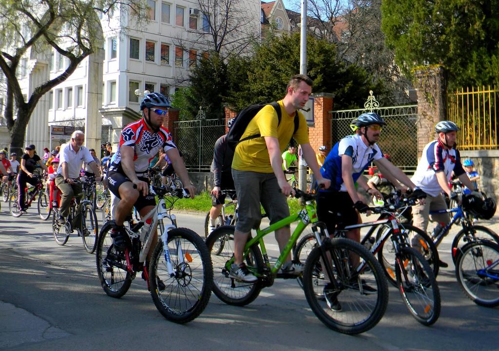 Bicikli, kerékpár