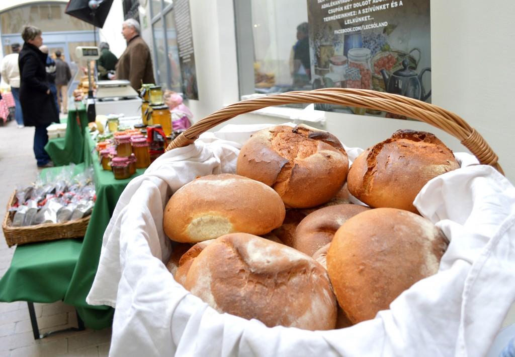 Friss kenyér a Lecsólandtől