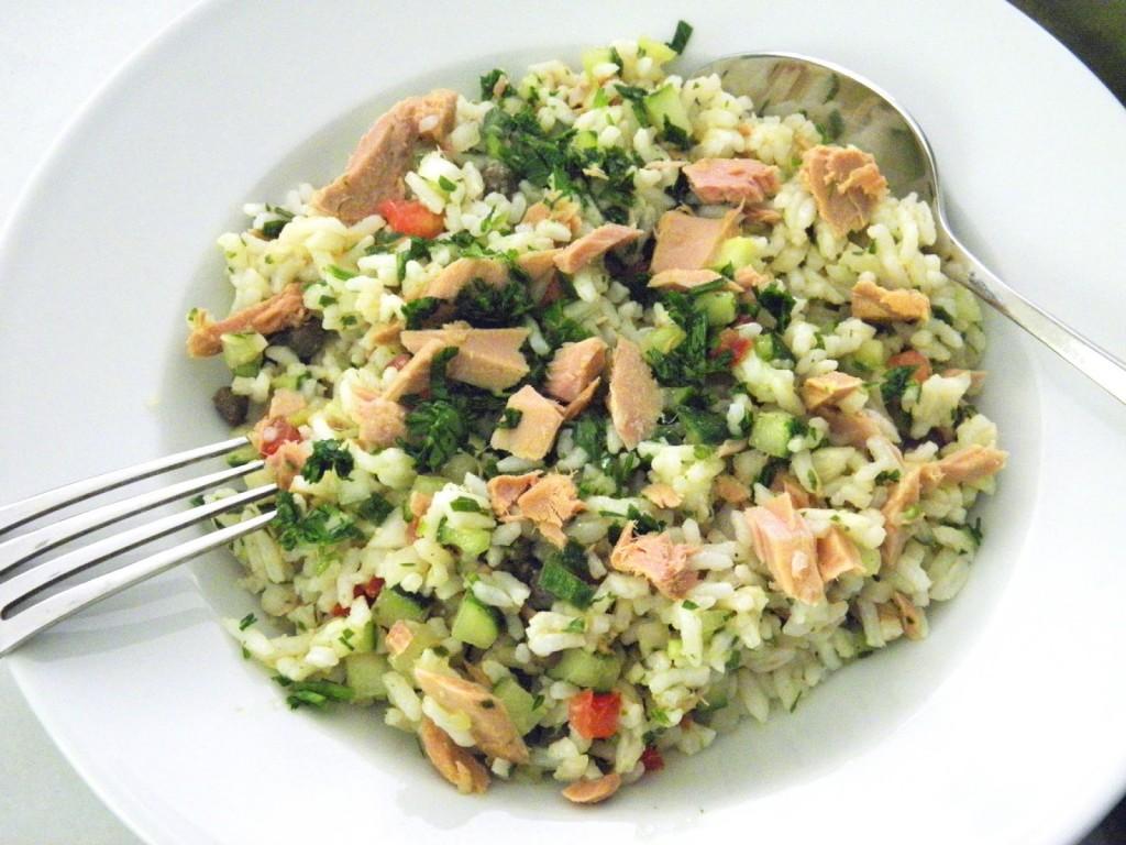 tonhal és rizs