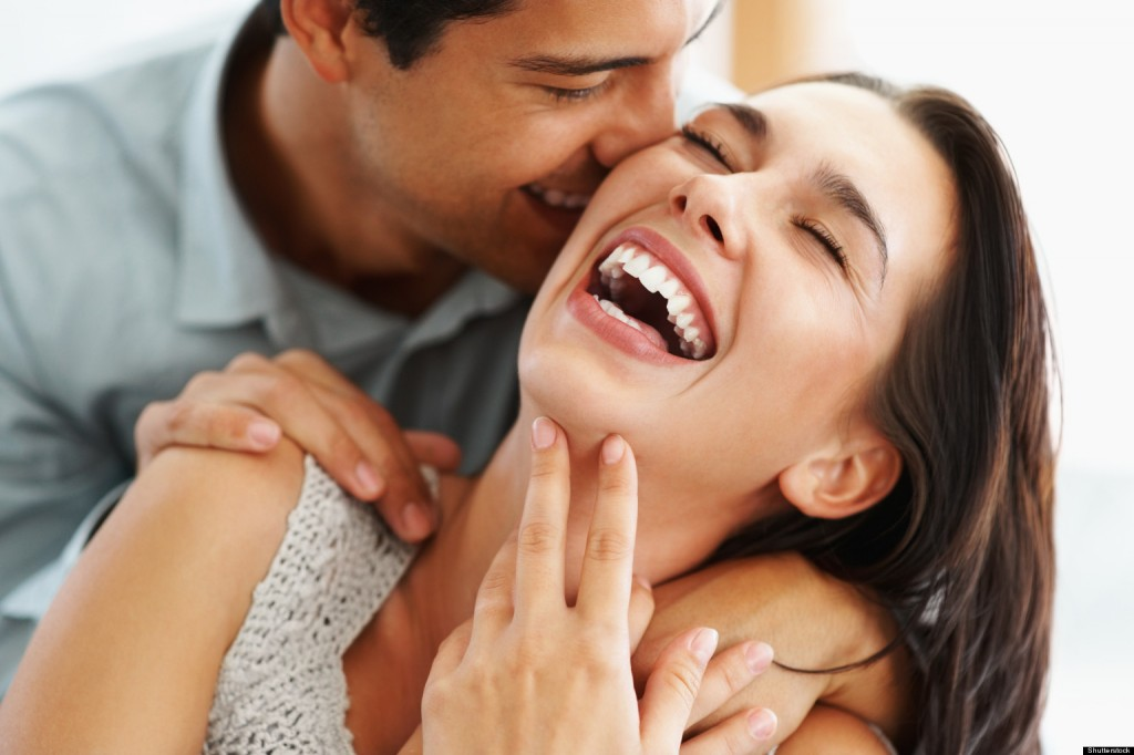 fiatal pár, szerelem, házasság, boldog