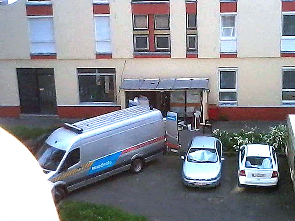 zsaru_koltoztet02
