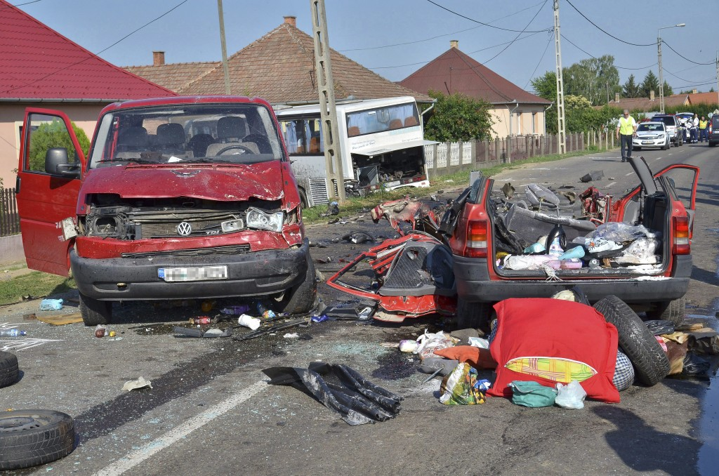 Öt halálos áldozatot követelõ baleset történt Szabolcs-Sz