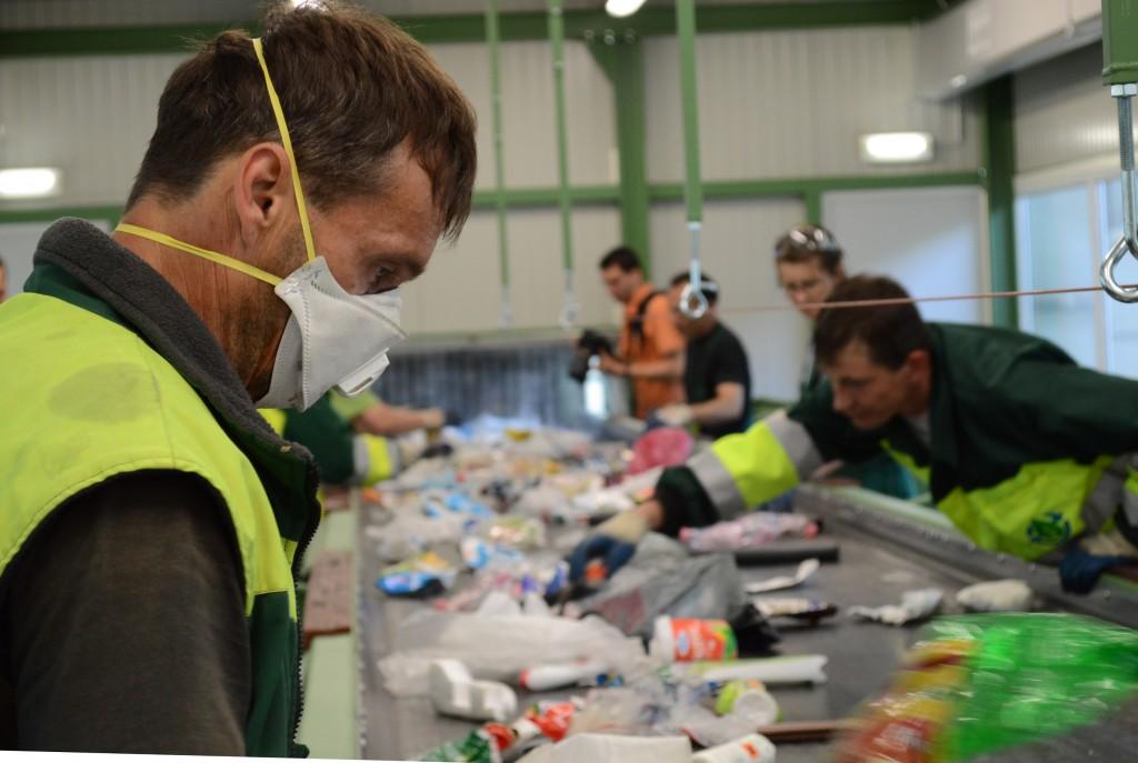 40-50 embernek ad munkát a hasznos hulladék válogatása