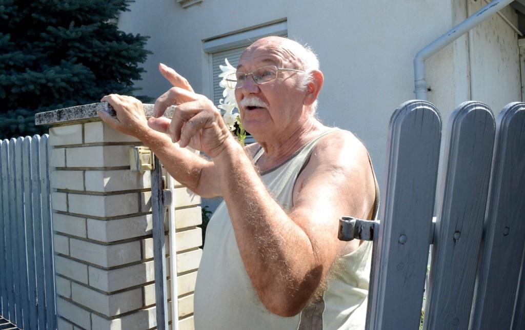 Szabó úr szemben lakik, nem tudja eladni a házát