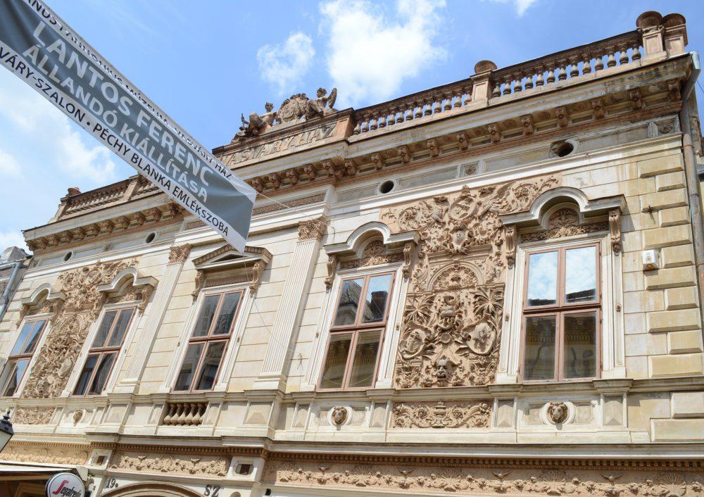 A patinás épületre ráfér a csinosítás