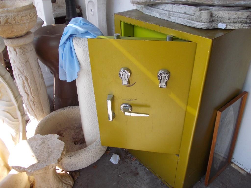 Fő a biztonság - ez a vén páncélszekrény csupán 150 000 forintba kerül