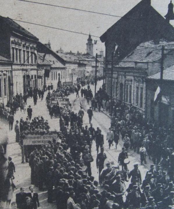Pécs, 1945. - Éljen május elseje!