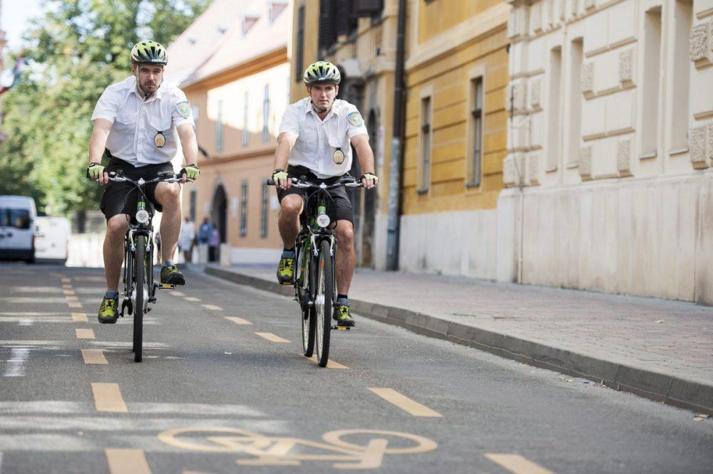 Kerékpáros közterület-felügyelõk kezdték meg szolgálatuk