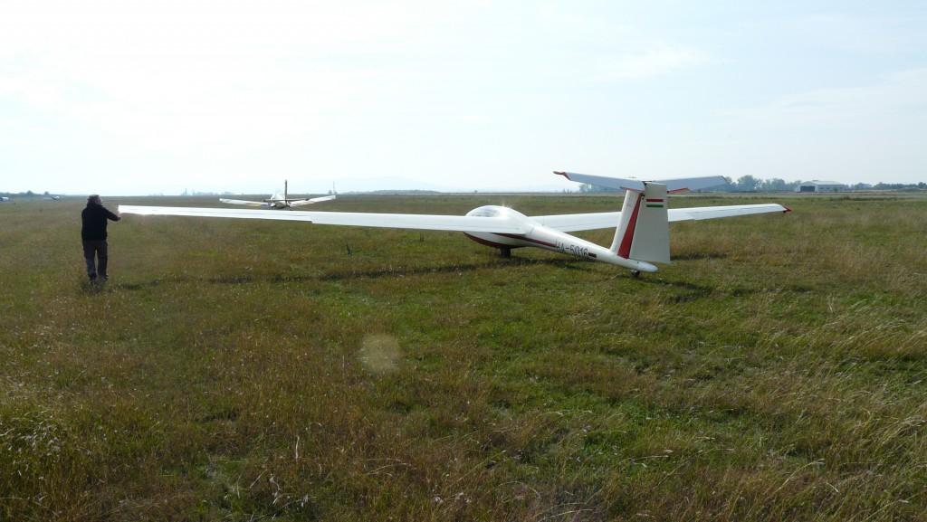 A pogányi reptér és a kurzuson használt gép