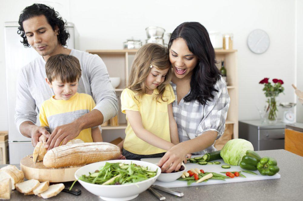 Főzés, sütés, anya, apa, gyerek, együtt, család