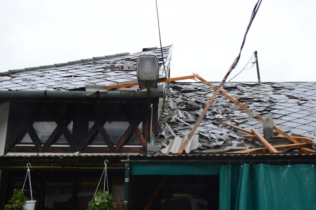 A nagybani piac tetejét lekapta a szél