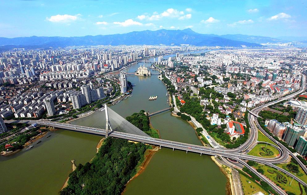 A tartomány székhelye, Fuzhou. Itt 7 millióan élnek.