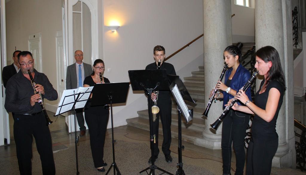 Zenészek adtak műsort a városházi megemlékezésen