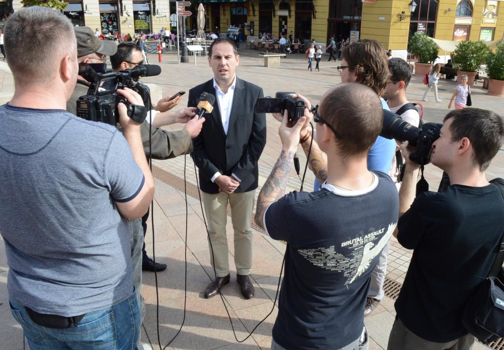 csizi peti sajtótájékoztató4