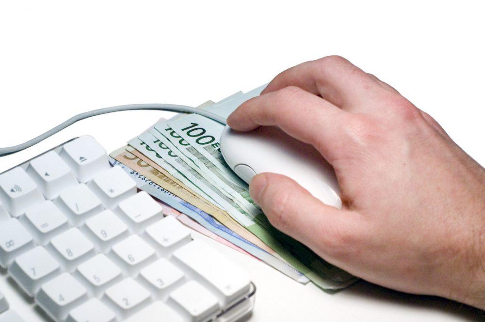 Az interneten hirdetett szobák után is kell fizetni