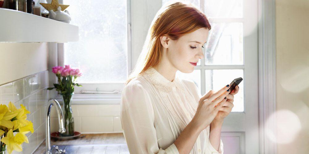 okostelefon, nő, alkalmazás, app