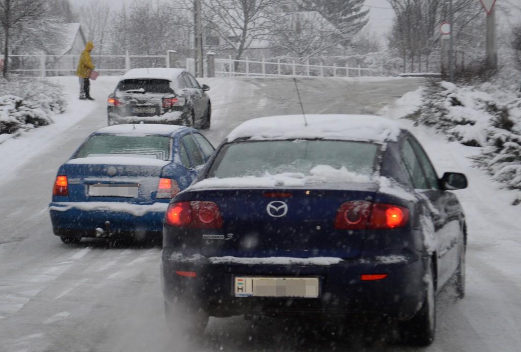 hó-csúszank az autók- Budavám környéke