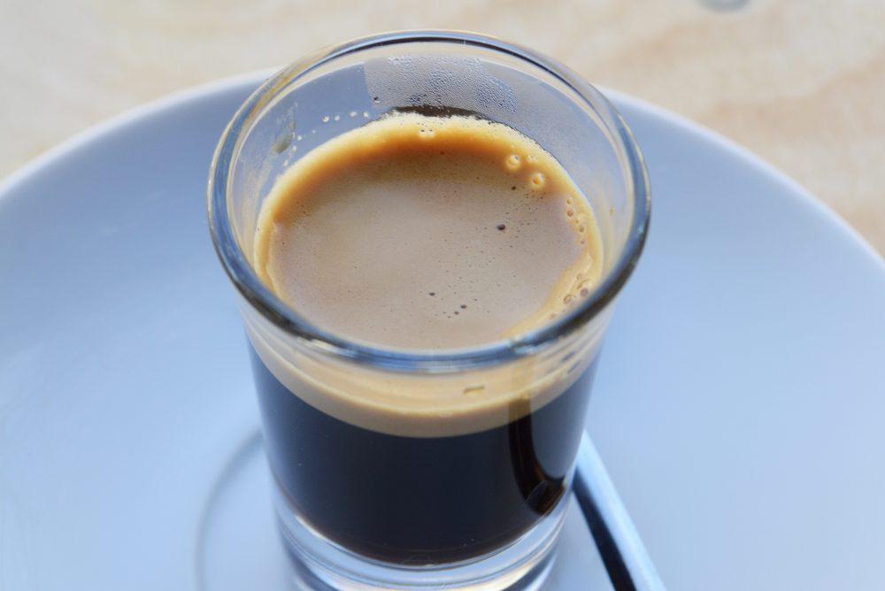 kávéteszt a villamoson2