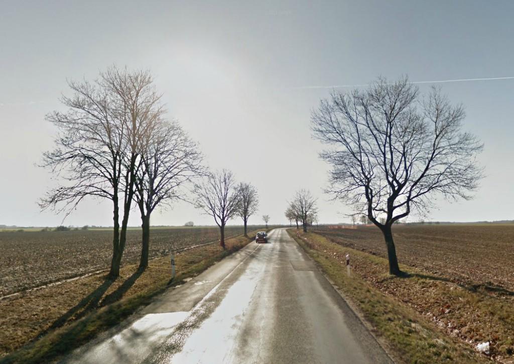Néhol ilyen a 6-os út: csúszós, nyomvályús felúlet, szűk út...