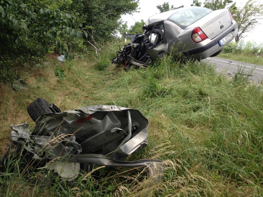 Szinte minden hétre jut baleset - Képünkön egy Csokoládépuszta közelében történt halálos karambol eredménye