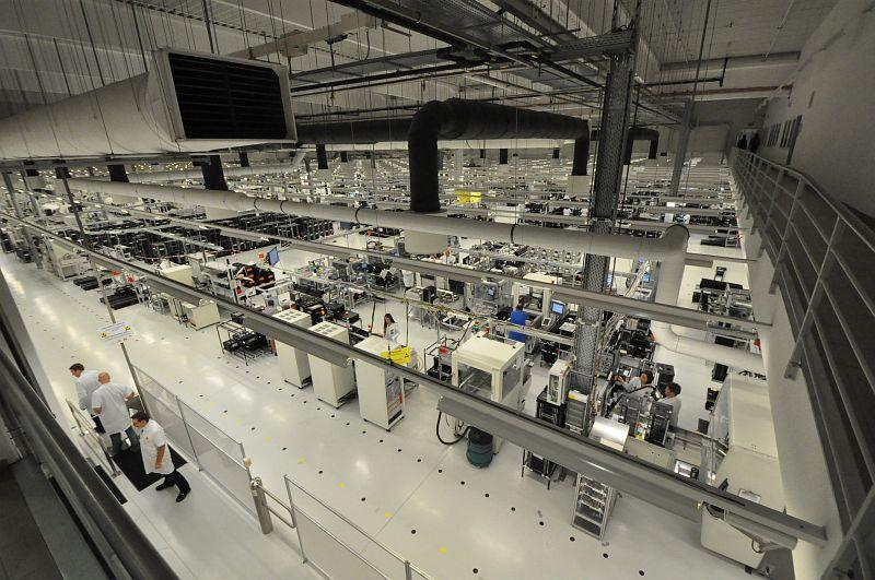 Év végéig dolgozhat a 420 ember a pécsi gyárban - Fotó: szekesfehervar.hu