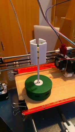 A függőleges tengelyű szélturbina modellje