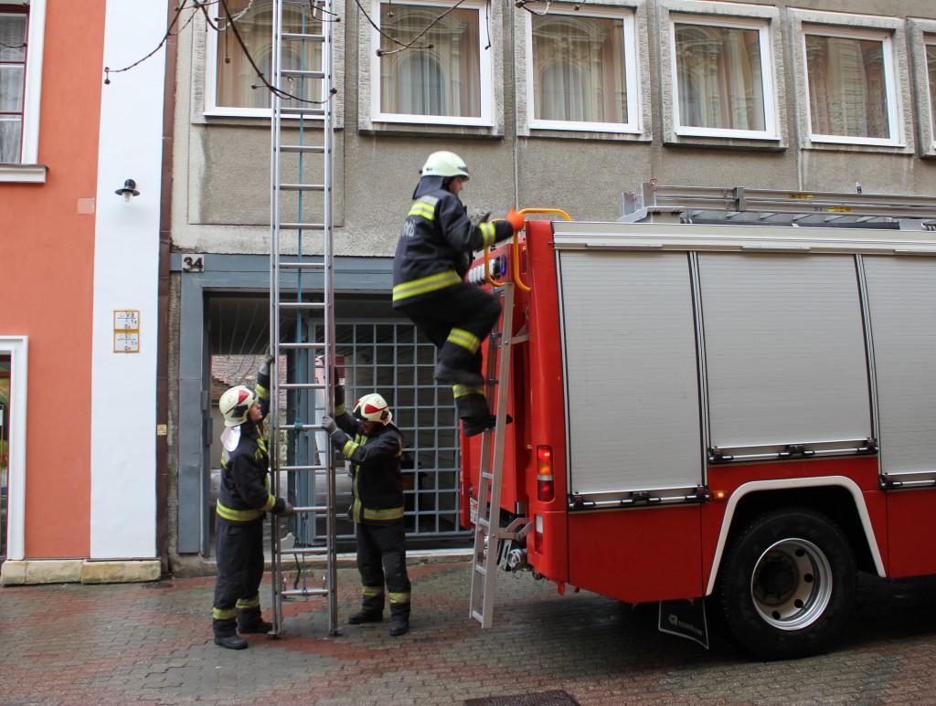 Király utca, tűzoltók, rendőrség3