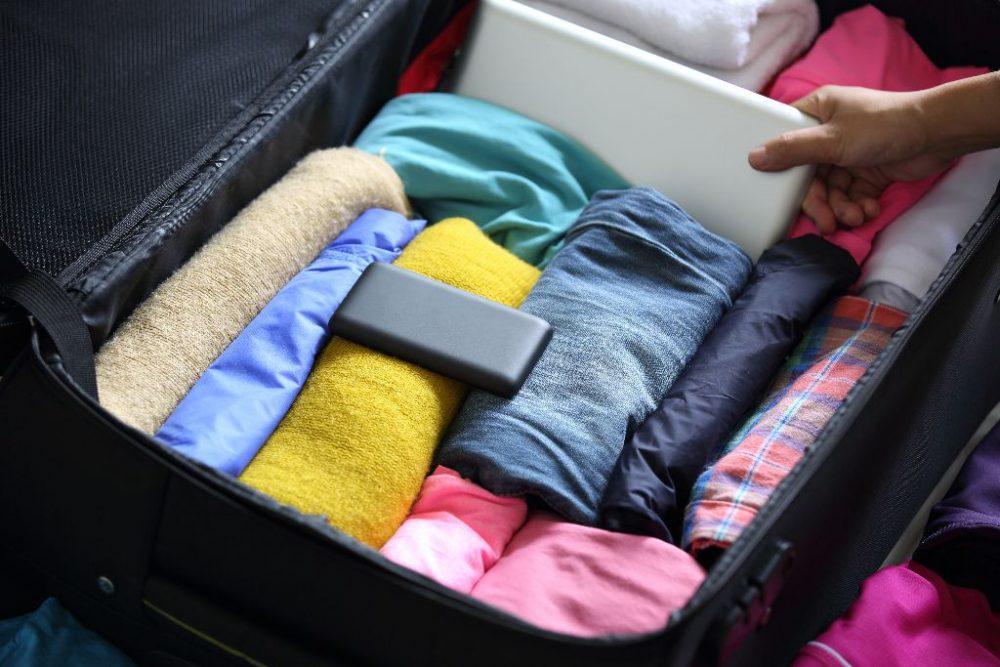 bőrönd, nyaralás, pakolás