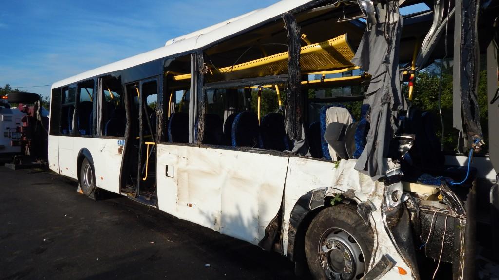 Ezen a buszon nem kell elvileg biztonsági övet használni