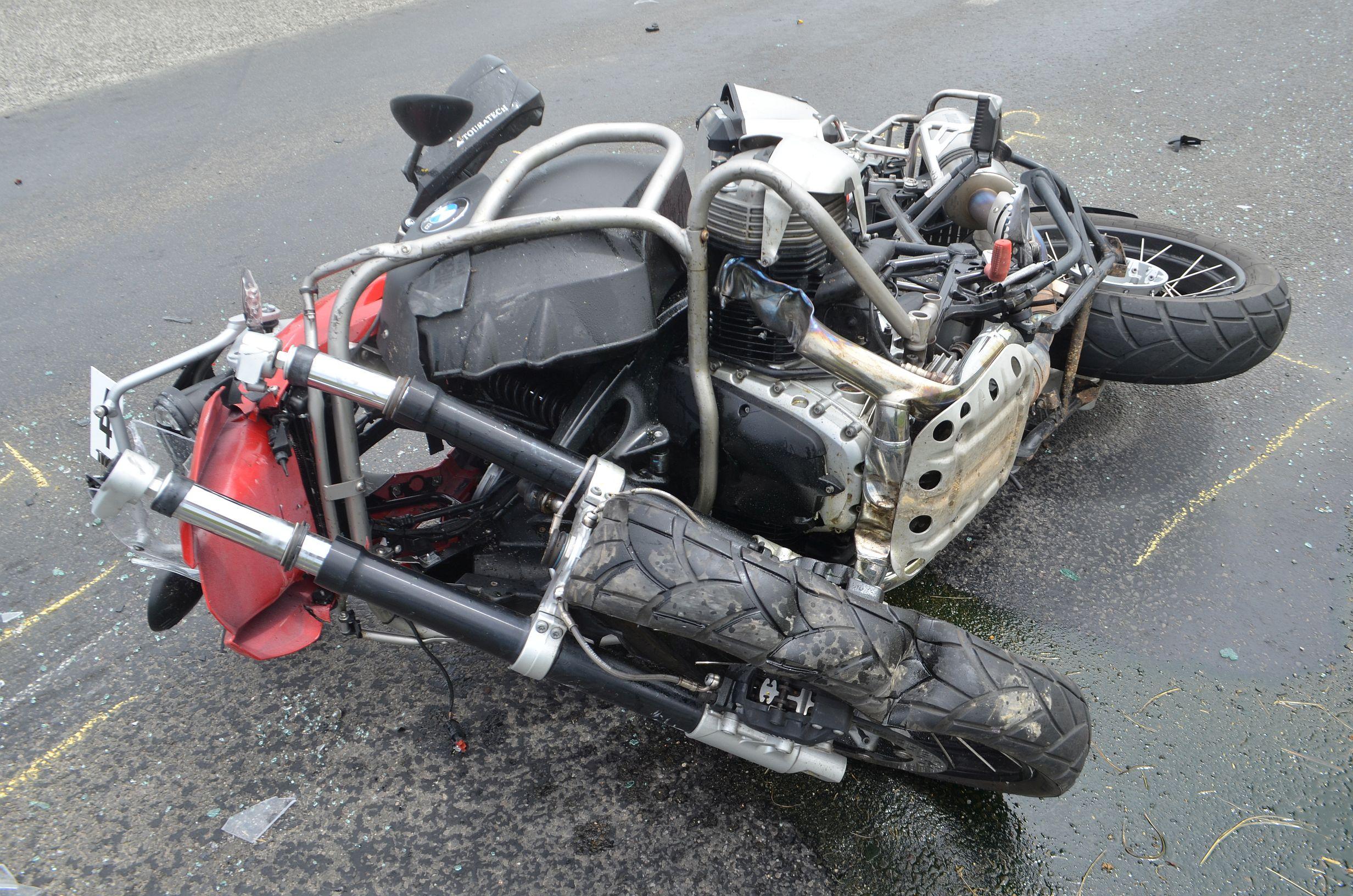 motorbaleset