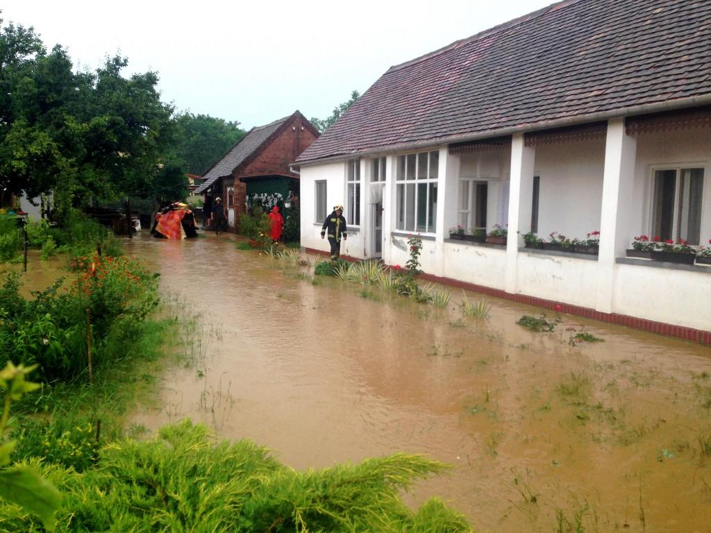 Elöntött ház, Alsó utca, vihar, árvíz, eső