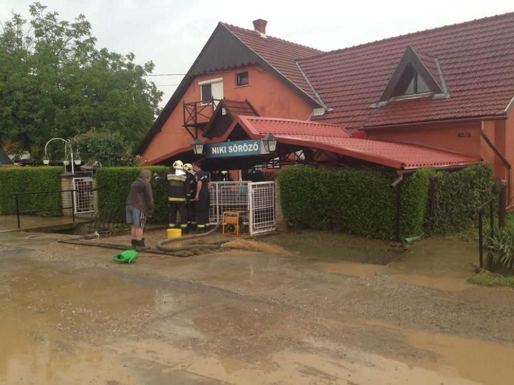 Söröző, árvíz, Alsó utca121