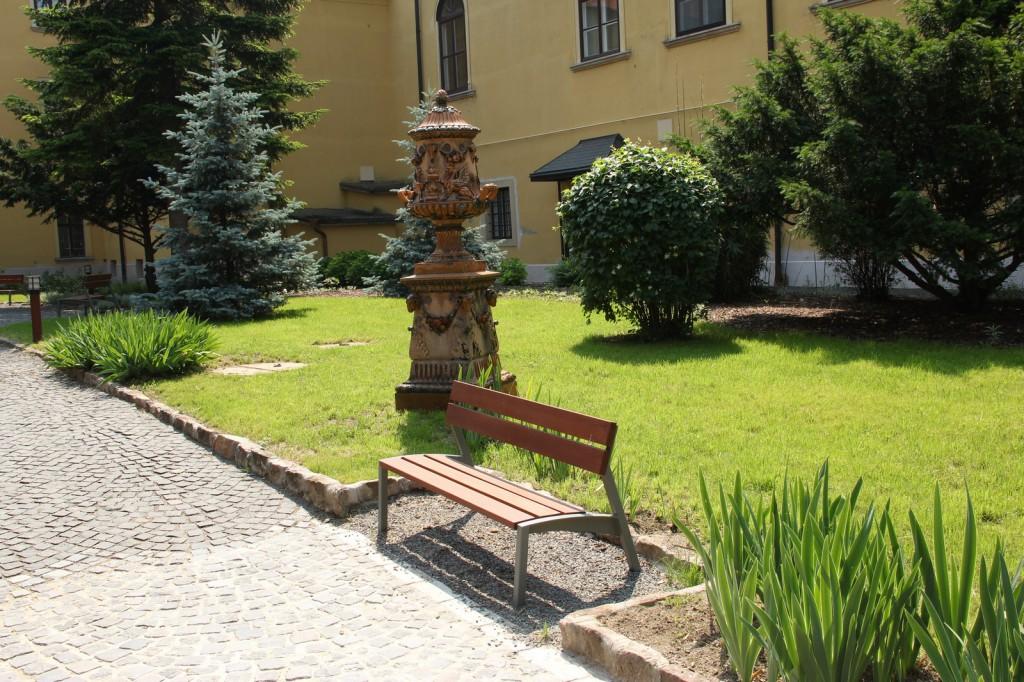 egyház - kert