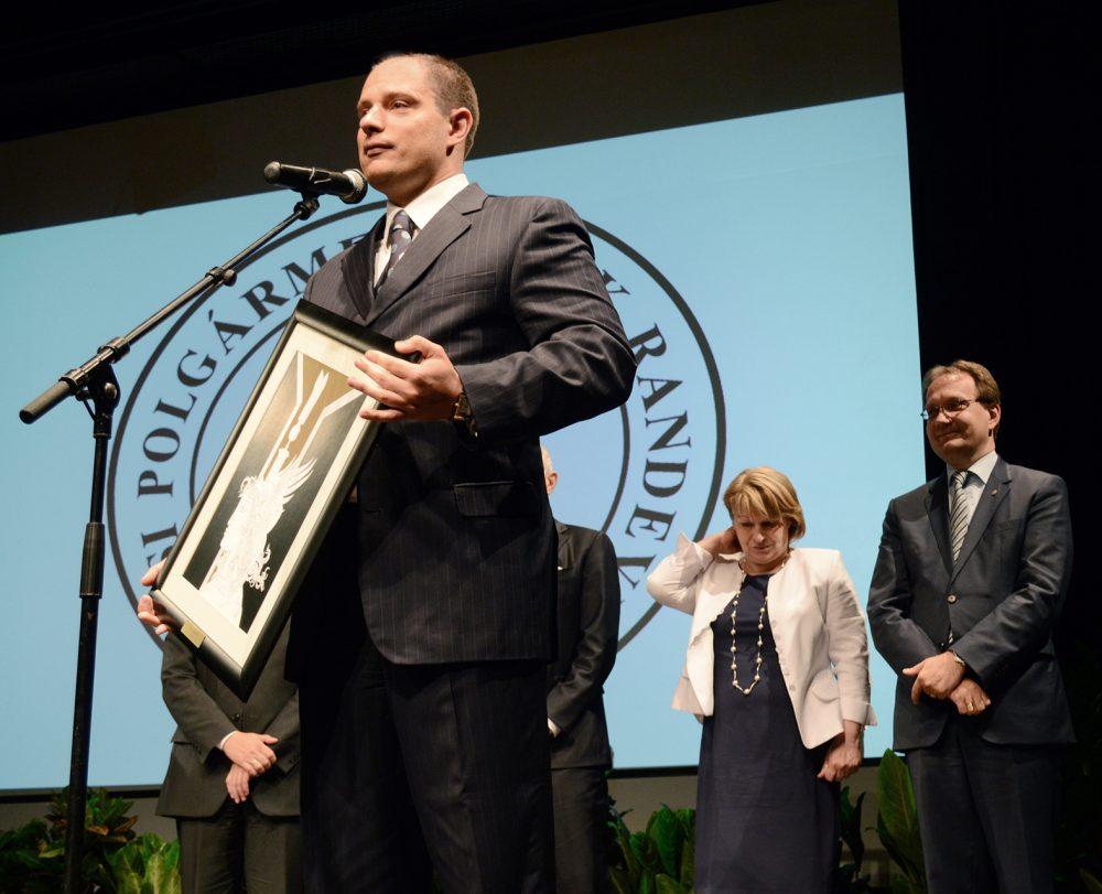 Lovász a polgármesternek ajánlotta díját