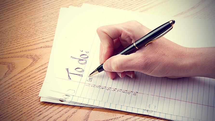 listát ír, lista