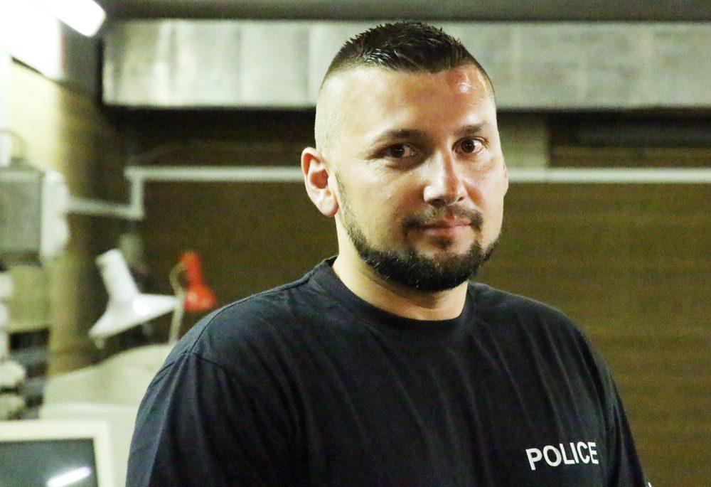 A törzszászlós tanítja a rendőröket és a pécsi civileket is