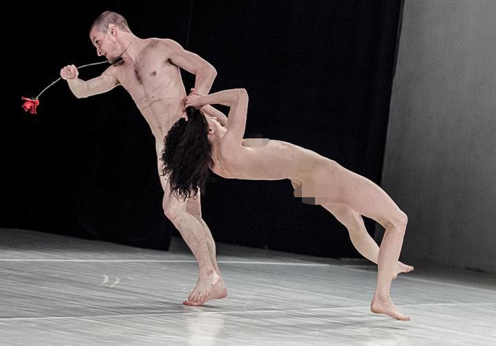 meztelen táncosok újra03