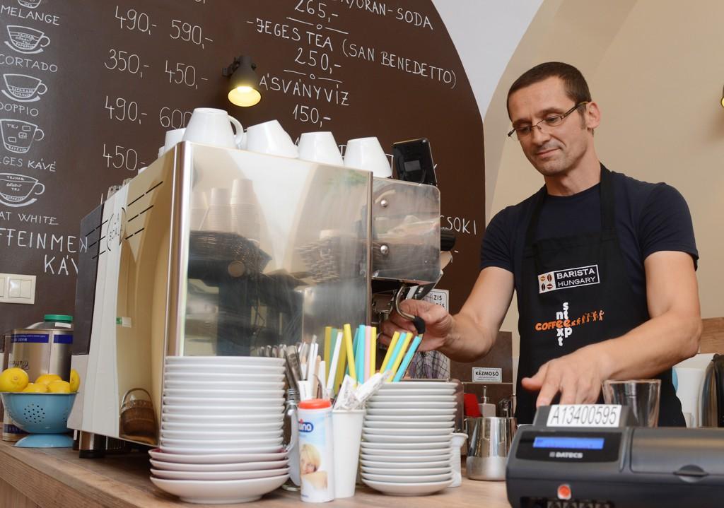 next step, kávézó04