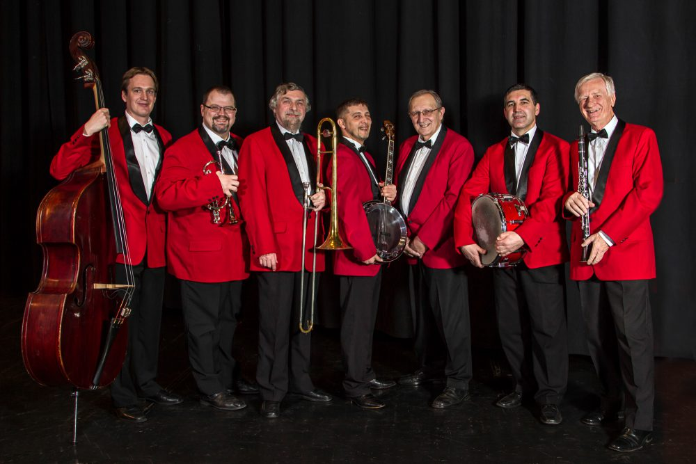 75 éves a zenekar vezetője - itt ünnepel!
