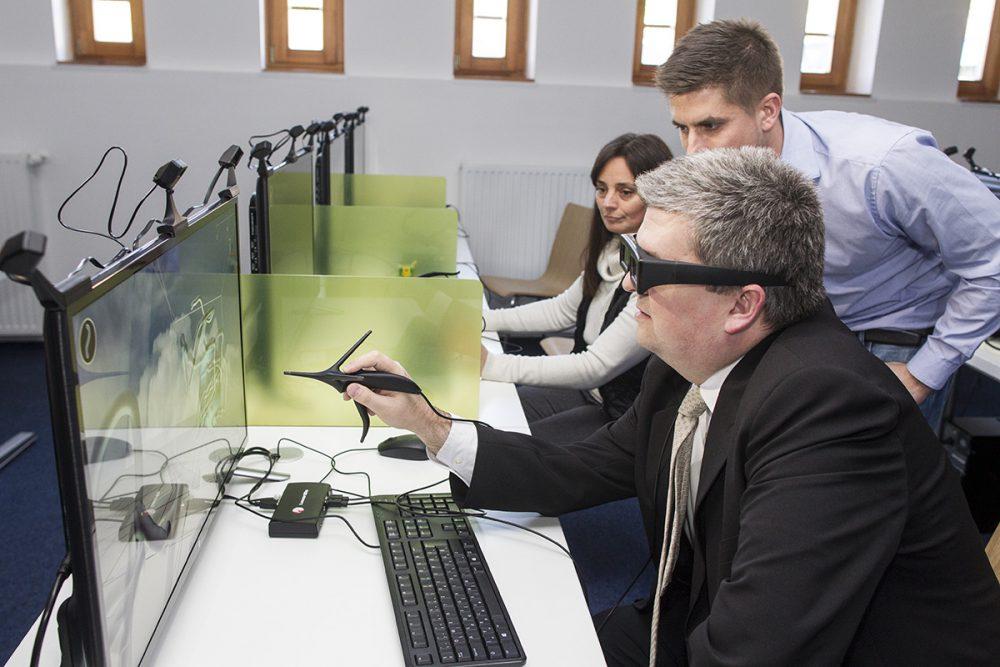 Czibere Károly kipróbálja a 3D-s programokat
