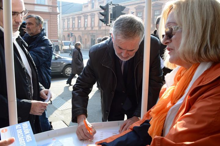 fidesz, menekültek, aláírás gyűjtés, hl05