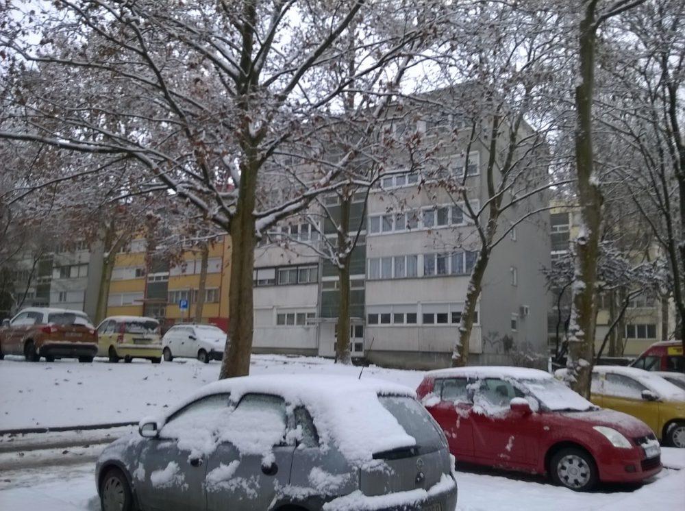 Gyorsan hullott sok hó