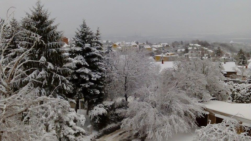 Pécset ellepte a hó
