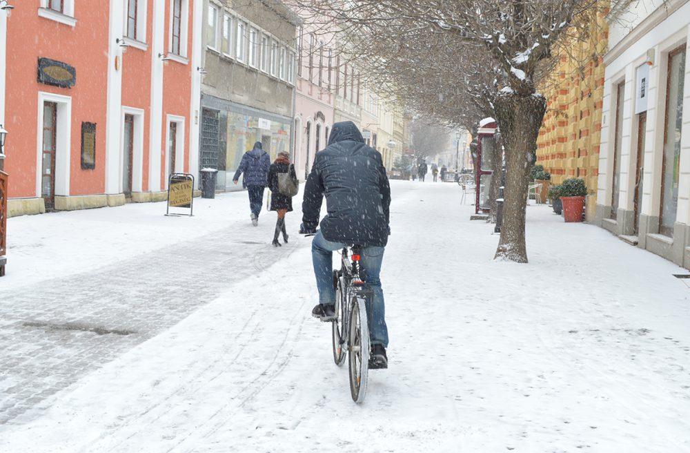 Azért biciklivel nem egyszerű