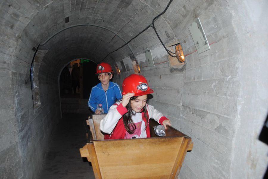 Bányamanók a bányászmúzeumban