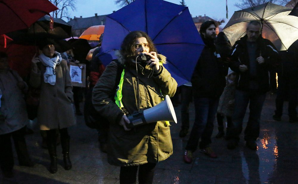Nagy Erzsébet szól a tüntetőkhöz