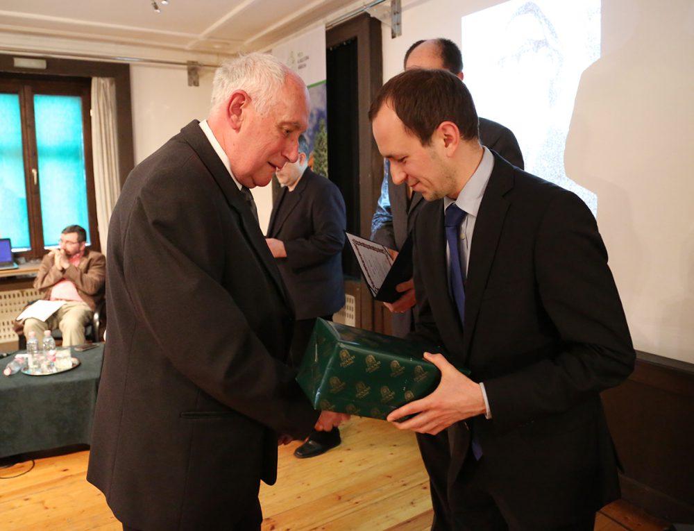 Nőt Béla átveszi a Zsolnay Vilmos-díjat