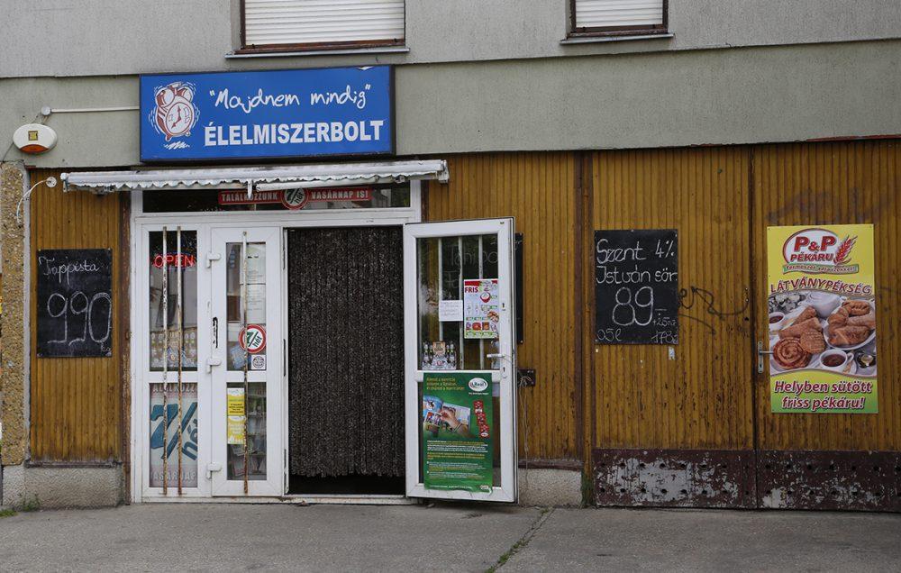 A lakossági bejelentések alapján ezt a boltot is megvizsgálták