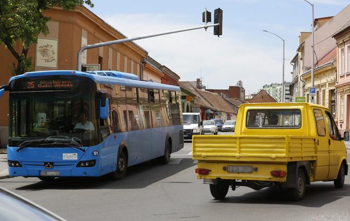 hungária út, közlekedés, hl4
