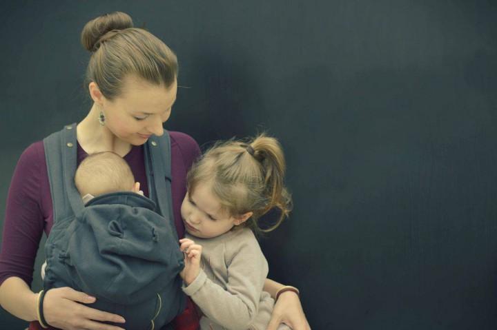 Évi két lányával